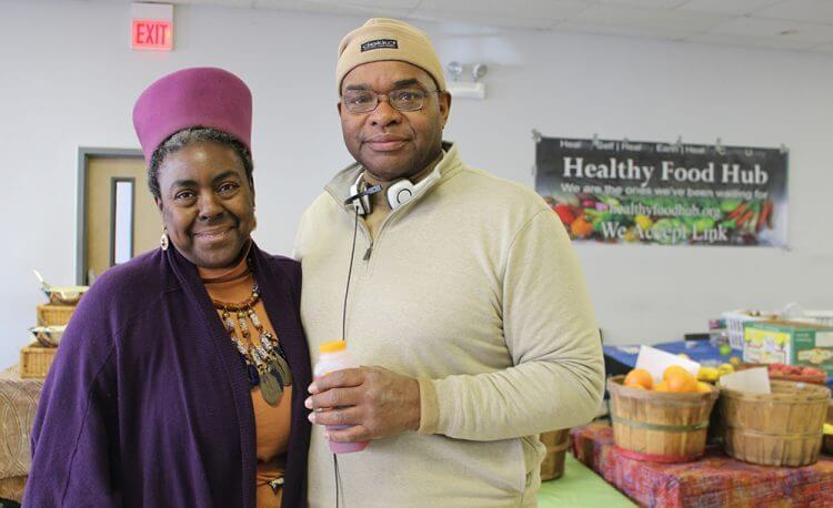 Black Couple Fights to End Food Deserts in Chicago
