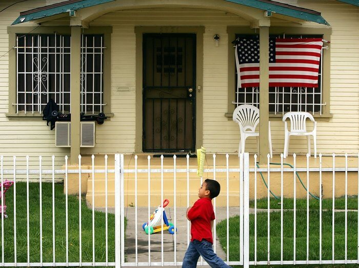 Black, Latino Two-Parent Families Have Half The Wealth Of White Single Parents