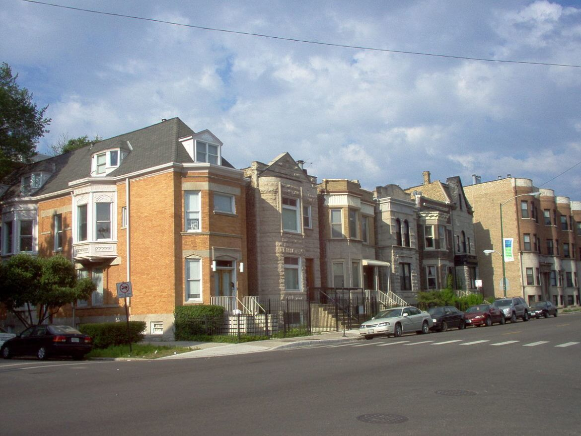 Analysis: African-Americans Pay More for Rent, Especially in White Neighborhoods